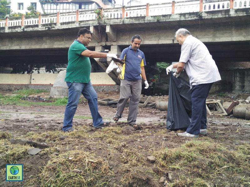 Mula Mutha River Cleanup Pune Hexaware CSR 1 Earth5R