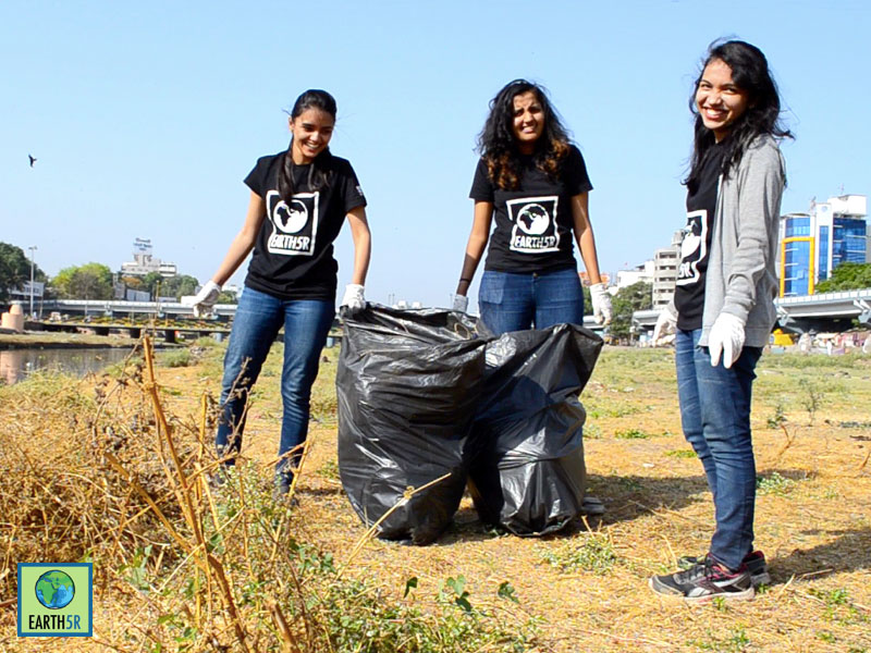 Mula-Mutha River Cleanup at Pune by Earth5R CSR