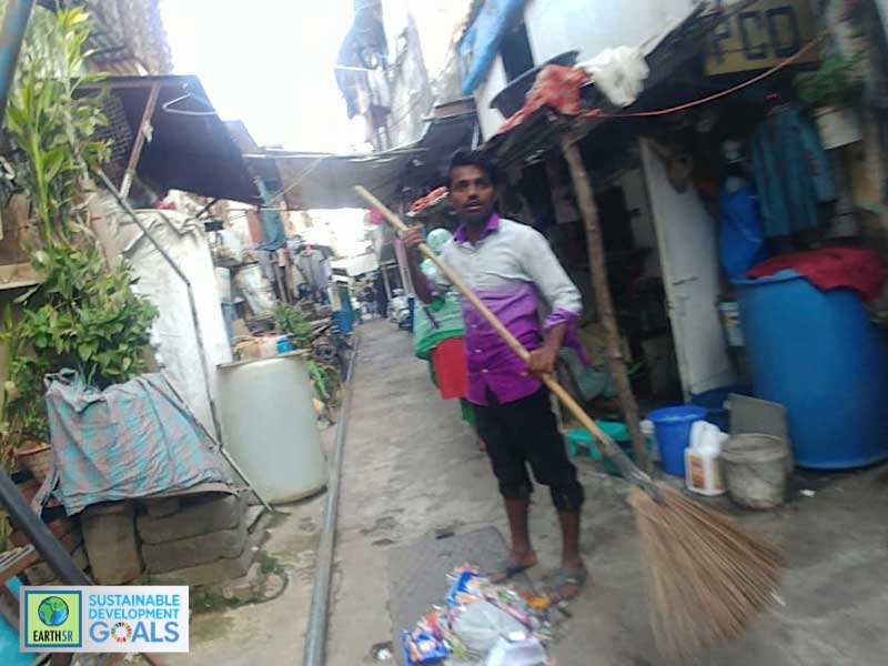 MCGM cleaning - worker - sweeper - garbage - Bandra - Mumbai