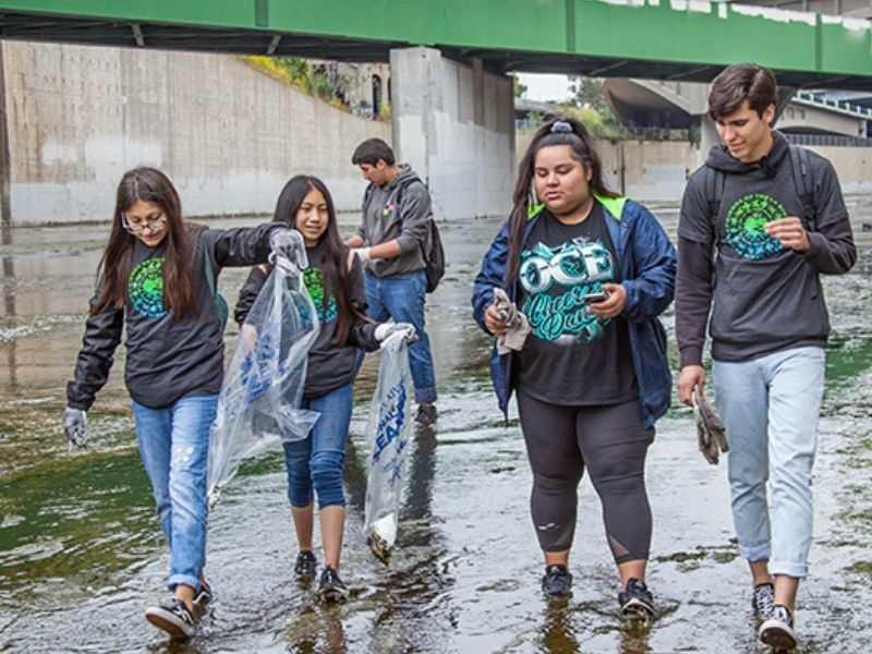 Plastic pollution Water pollution biodiversity CSR Corporate Social Responsibility Environmental NGO Earth5R Mumbai India
