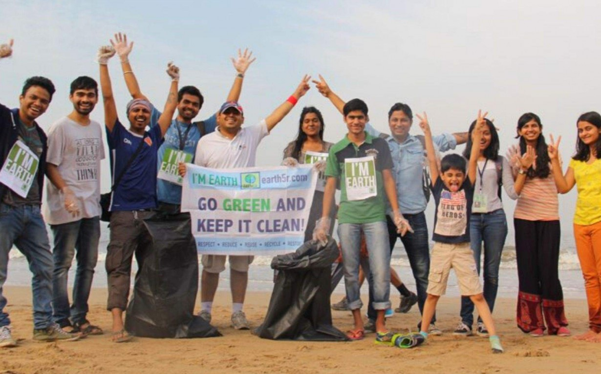 Beach Cleanup Mumbai India Environmental NGO Earth5R