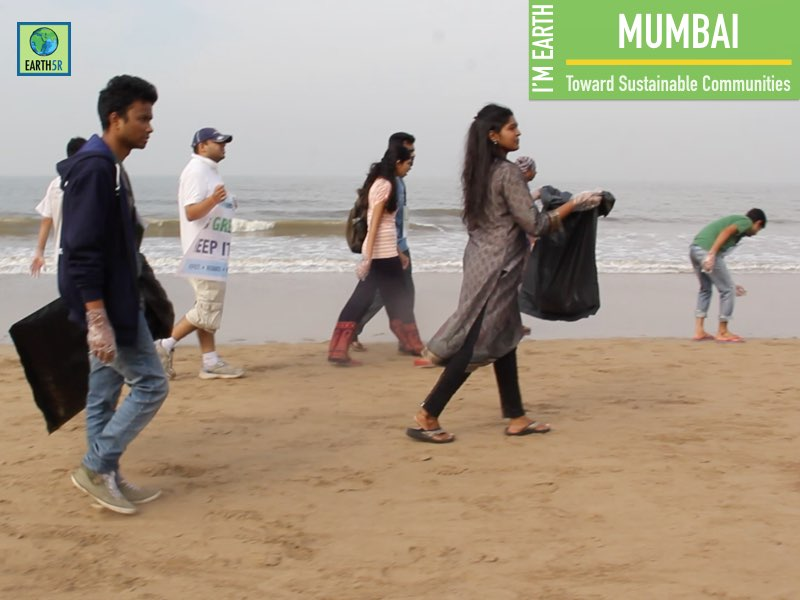 Beach Cleanup Volunteer Mumbai India Environmental NGO Earth5R