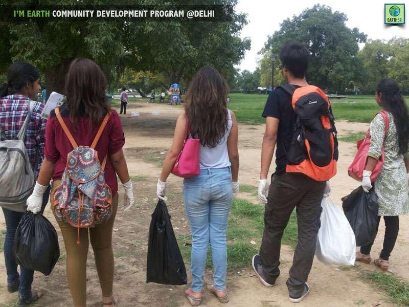 Clean Up Delhi Mumbai India Environmental NGO Earth5R