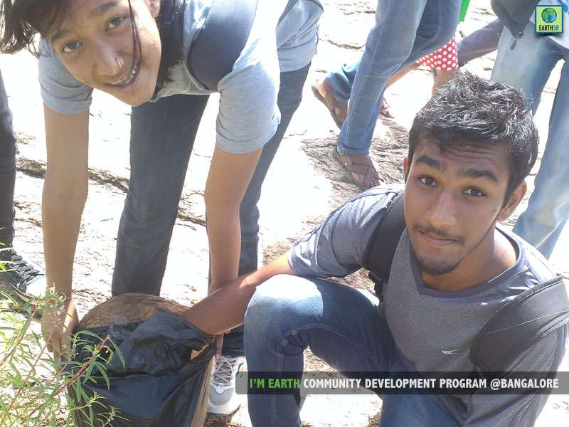 Clean Up Drive Bangalore Mumbai India Environmental NGO Earth5R