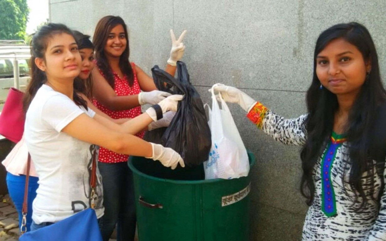 Clean Up Drive Delhi Mumbai India Environmental NGO Earth5R