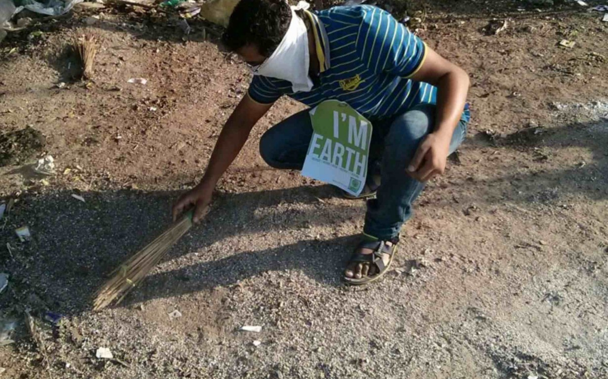 Clean up Drive Ahmedabad Mumbai India Environmental NGO Earth5R