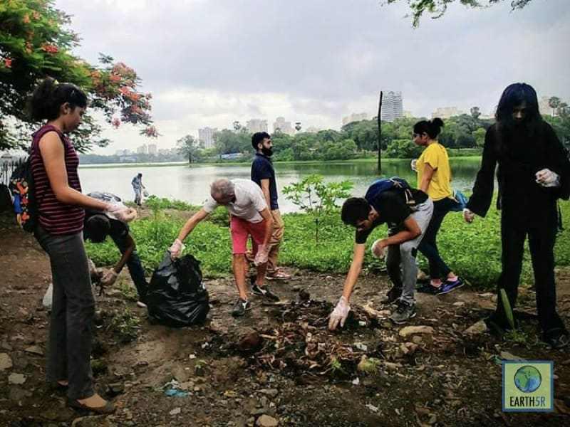 Cleanup Mumbai India Environmental NGO Earth5R