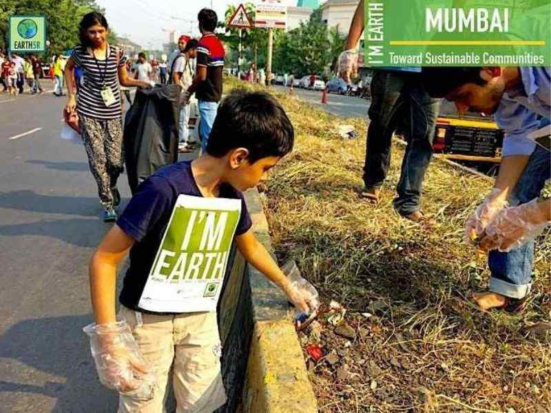 Cleanup Waste Segregation Volunteer Earth5R Mumbai India Environmental NGO