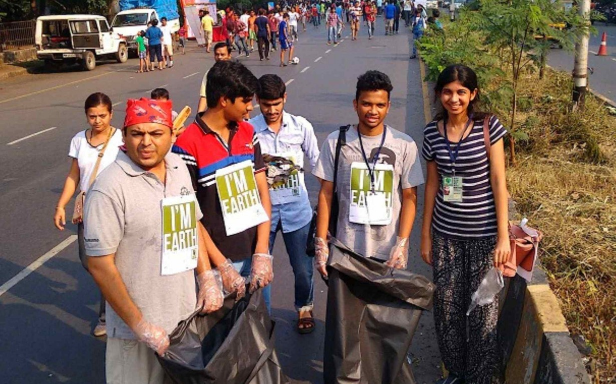 Cleanup Waste Segregation Volunteers Earth5R Mumbai India Environmental NGO
