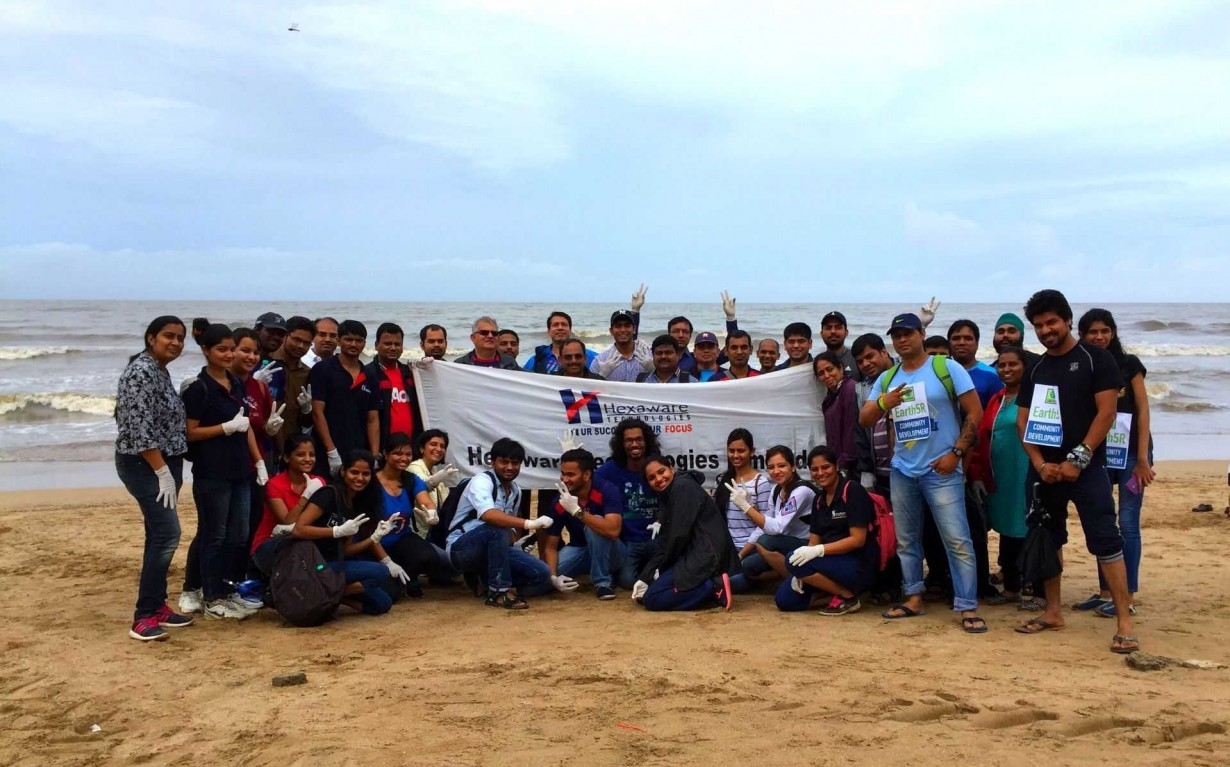Coastal Cleanup Hexaware CSR Mumbai India Environmental NGO Earth5R