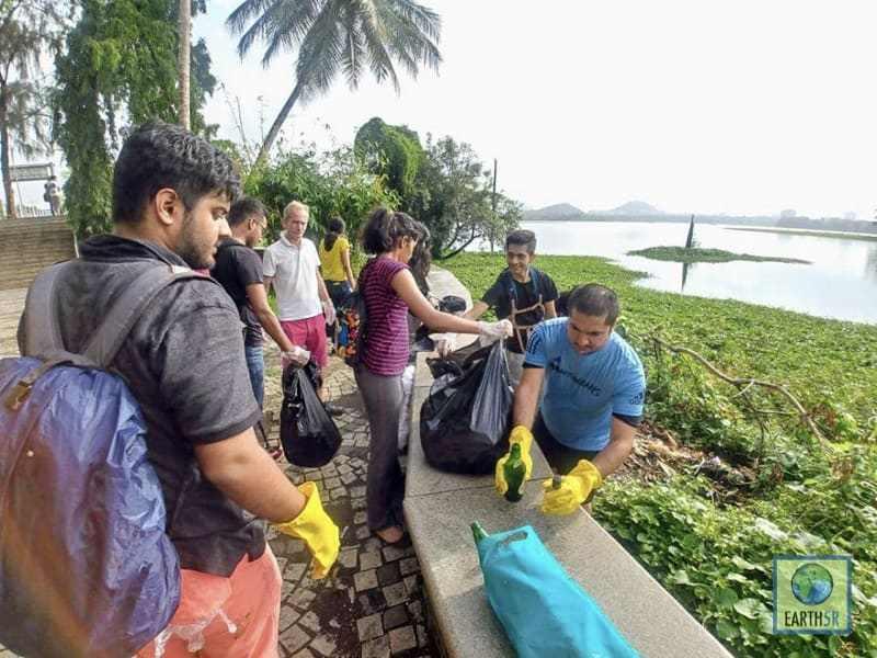 Community Cleanup Mumbai India Environmental NGO Earth5R