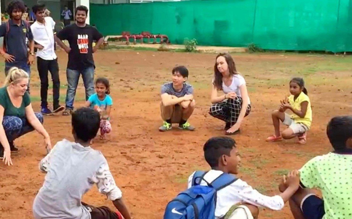 Community Development Sport Volunteer Mumbai Slum India Environmental NGO Earth5R