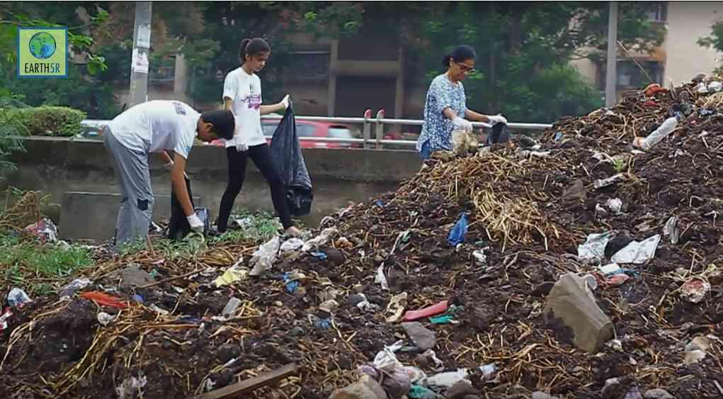 Community Recycling Volunteer Mumbai India Environmental NGO CSR Earth5R