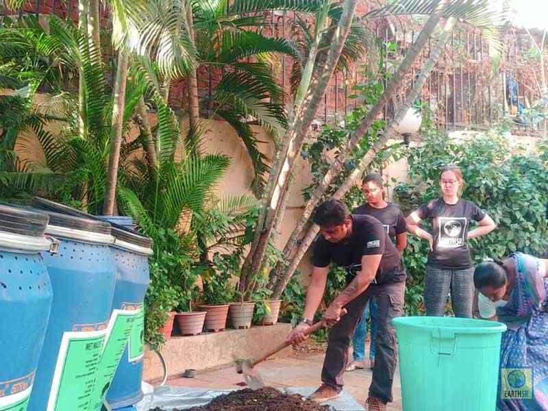 Composting Units Volunteer Saurabh Gupta Mumbai India Environmental NGO Earth5R