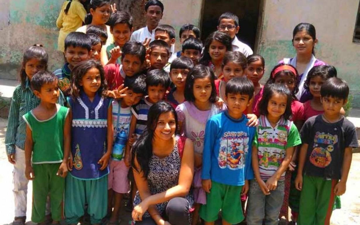 Delhi Plantation Drive Volunteers Mumbai India Environmental NGO Earth5R