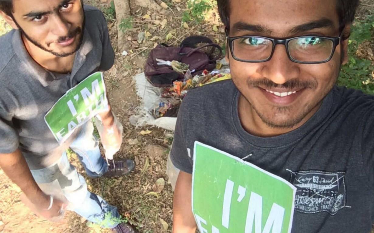 Gadhinagar Cleanup Drive Volunteers Earth5R Mumbai India Environmental NGO