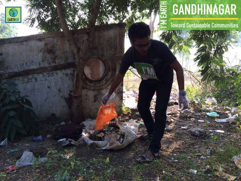 Gadhinagar Cleanup Volunteers Earth5R Mumbai India Environmental NGO