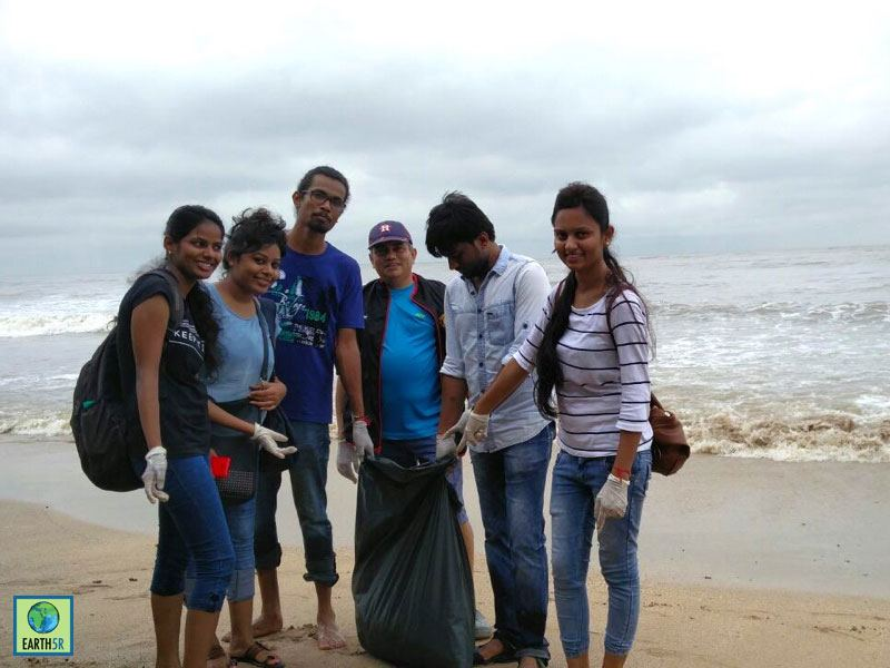 Hexaware CSR Beach Cleanup Mumbai India Environmental NGO Earth5R