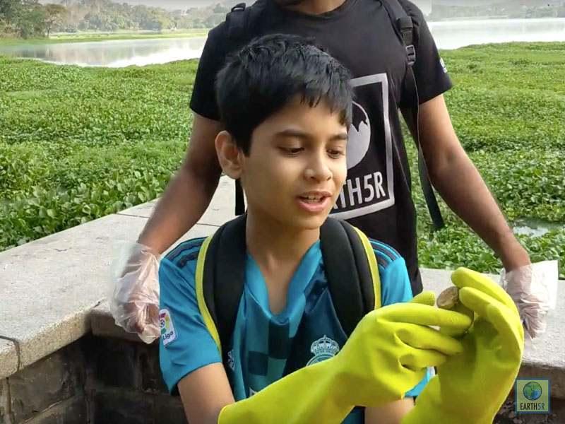 Jahaan Gupta Volunteer Cleanup Mumbai India Environmental NGO Earth5R