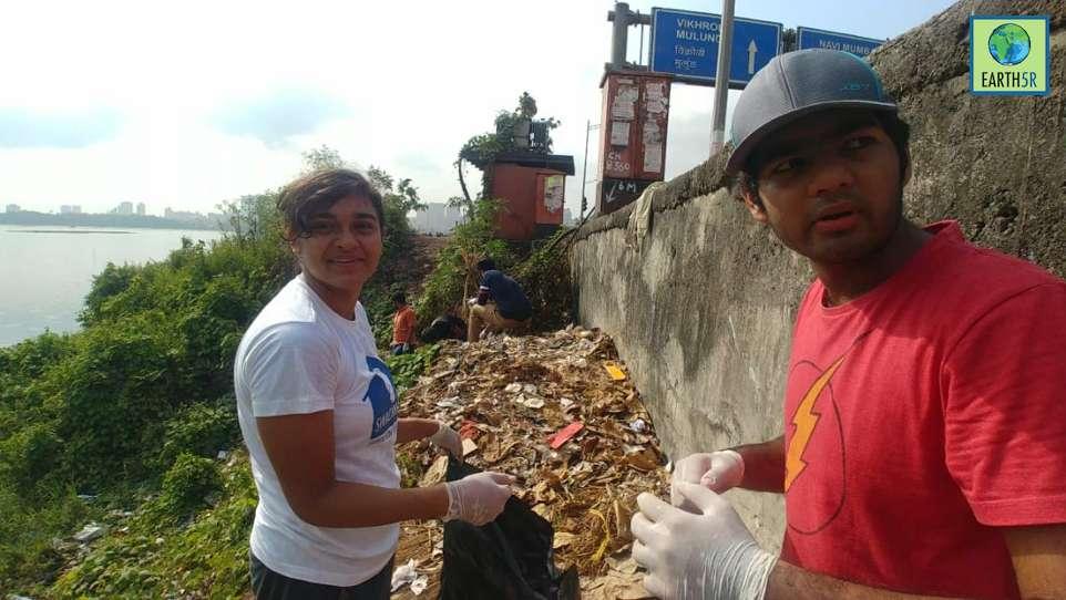 Lake Clean up Waste Management Volunteers Mumbai India Environmental NGO Earth5R
