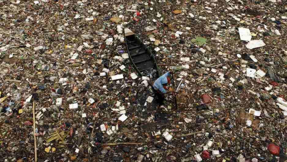 Lake Cleanup Religious Waste Pollution Mumbai India Environmental NGO Earth5R