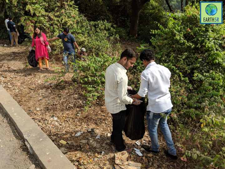 Lake Cleanup Volunteers Waste Management Mumbai India Environmental NGO Earth5R