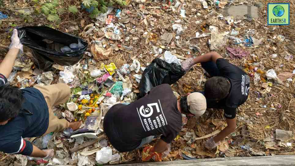 Lake Cleanup Waste Management Mumbai India Environmental NGO Earth5R