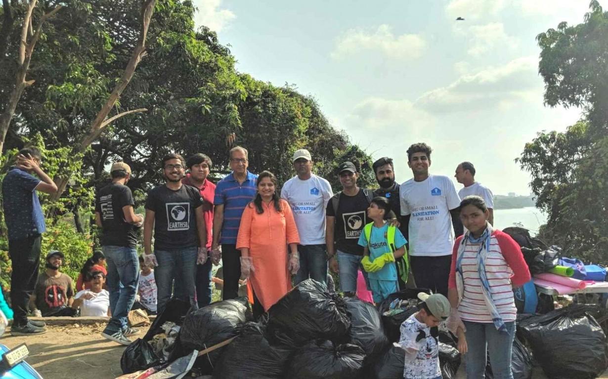 Lake Cleanup Waste Management Volunteer Team Mumbai India Environmental NGO Earth5R