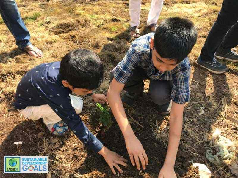 Mumbai Plantation Environmental NGO Earth5R Jahaan Gupta CSR