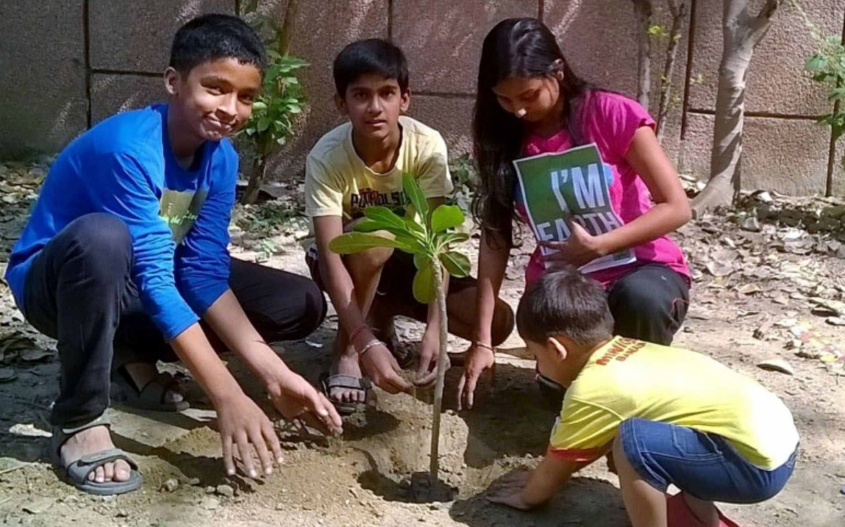 Plantation Drive Delhi Volunteers Earth5R Mumbai India Environmental NGO