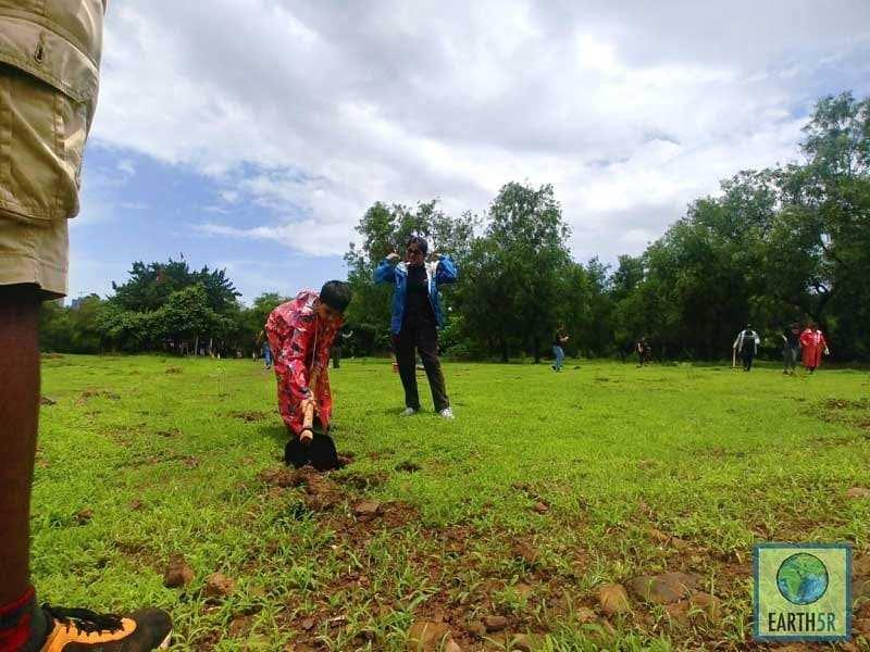 Plantation Volunteer Mumbai India Environmental NGO Earth5R