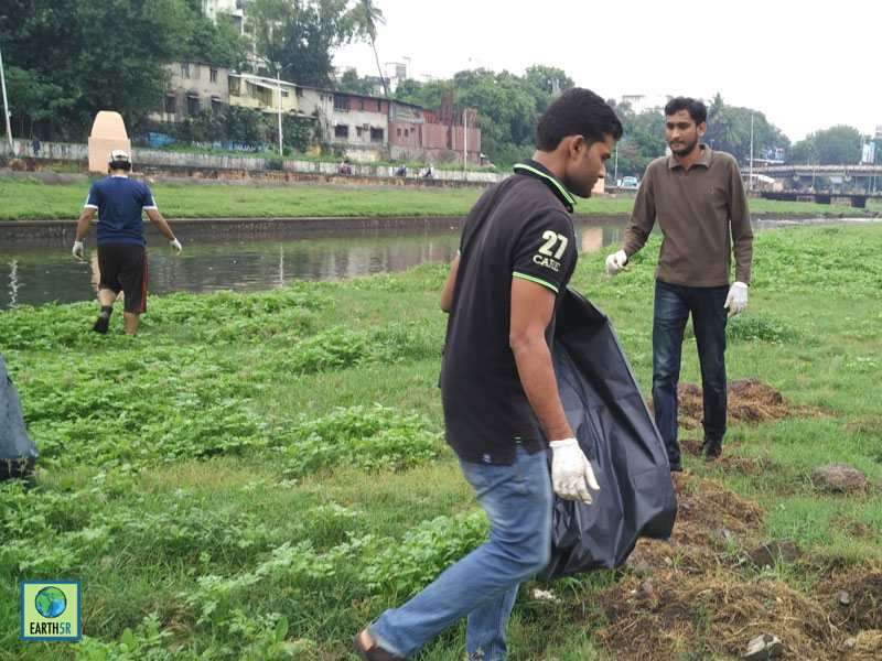 River Cleanup Pune Hexaware Mumbai India Environmental NGO Earth5R CSR
