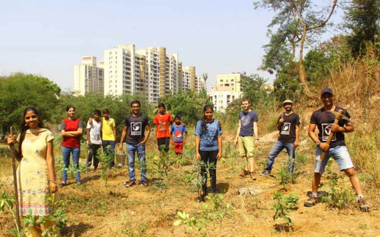 Tree Plantation Sustainability Volunteer Mumbai Environmental Organisation Earth5R