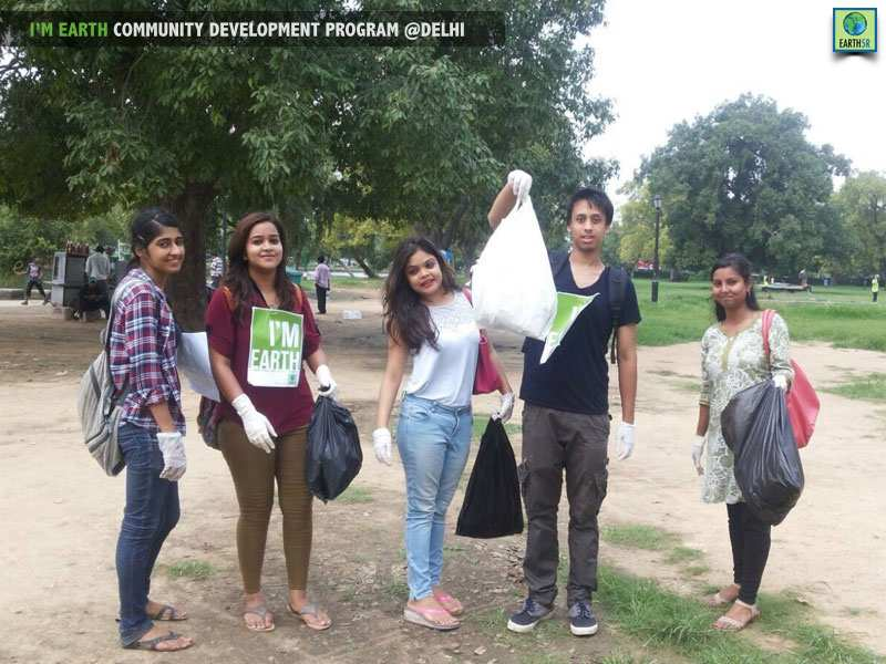 Volunteer Clean Up Delhi Mumbai India Environmental NGO Earth5R