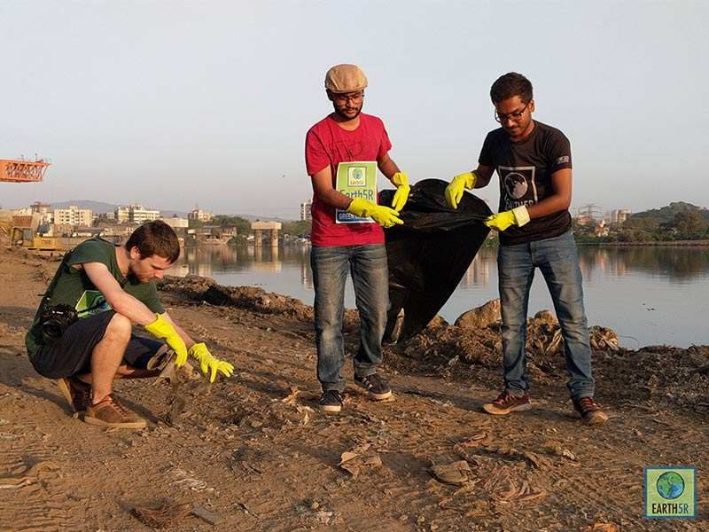 Volunteer Mithi Mumbai India Environmental NGO Earth5R