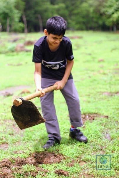 Volunteer Plantation Mumbai India Environmental NGO Earth5R