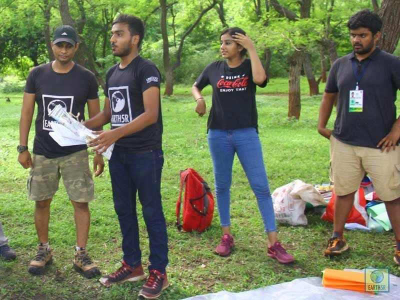 Volunteer Team Mumbai India Environmental NGO Earth5R