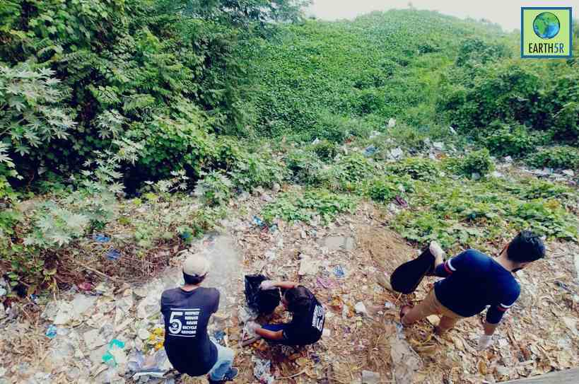 Volunteers Lake Cleanup Waste Management Mumbai India Environmental NGO Earth5R