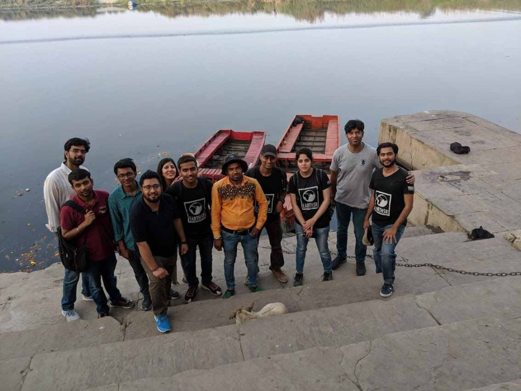 Yamuna River Waste Management Volunteer Mumbai India Environmental NGO EArth5R