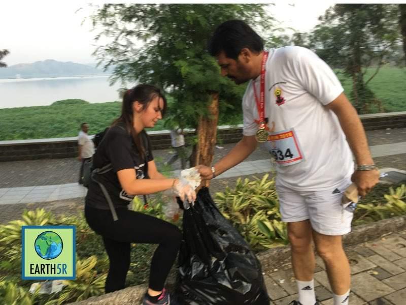 Zero waste Marathon Awareness Mumbai India Environmental Organisation Earth5R