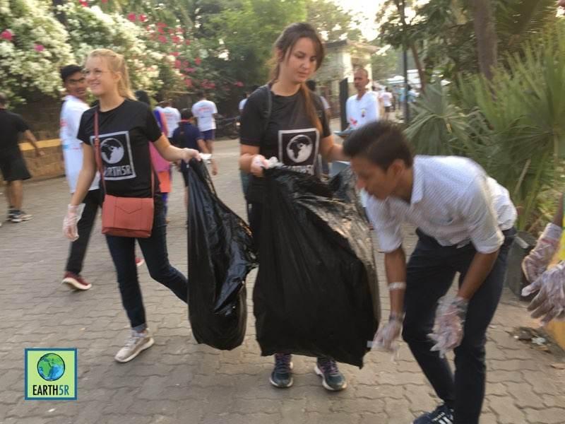 Zero waste Marathon Cleanup Volunteer Mumbai India Environmental Organisation Earth5R