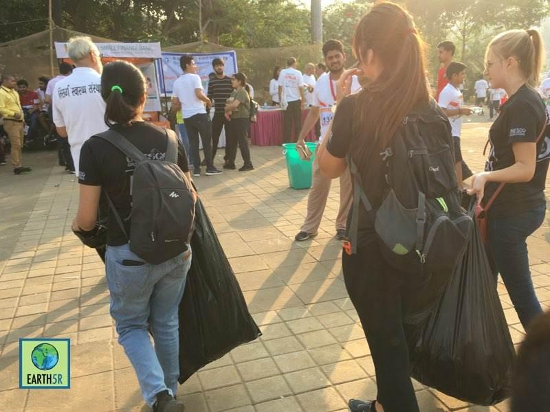Zero waste Marathon Volunteer Mumbai India Environmental Organisation Earth5R