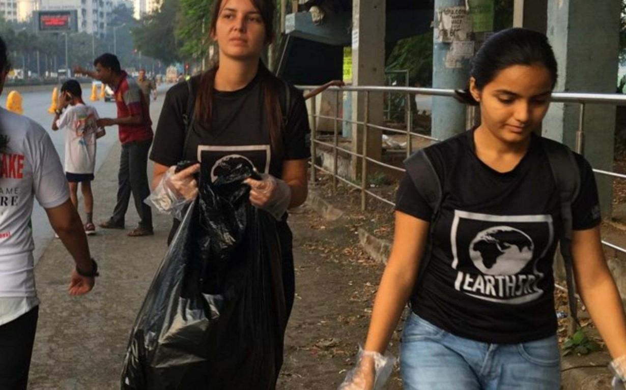 Zero waste Volunteer Marathon Cleanup Mumbai India Environmental Organisation Earth5R