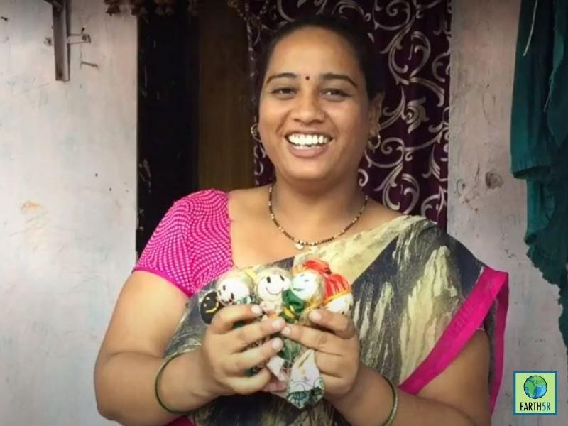 Mumbai-India-Environmental-NGO-Earth5r-Circular-Economy-Community-Upcycling-Dolls
