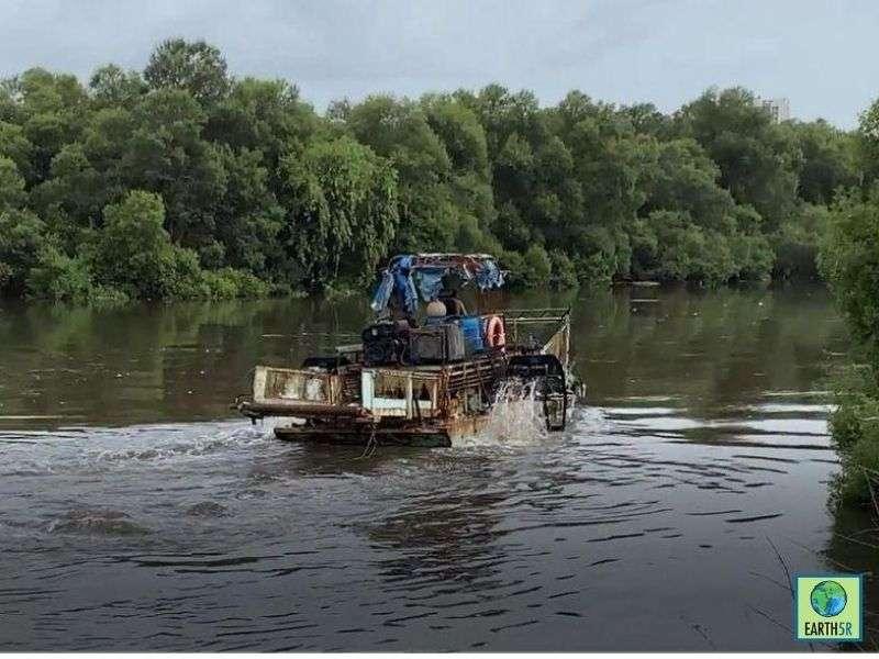 Mumbai-India-Environmental-NGO-Earth5r-Circular-Economy-River-Clean-up-Mithi-Pyrolysis
