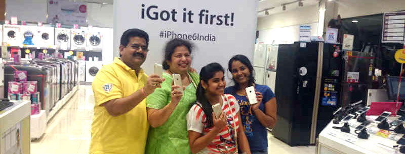 circular-economy-apple-iphone-ewaste-Mumbai-India-Environmental-NGO-CSR-Earth5R-waste