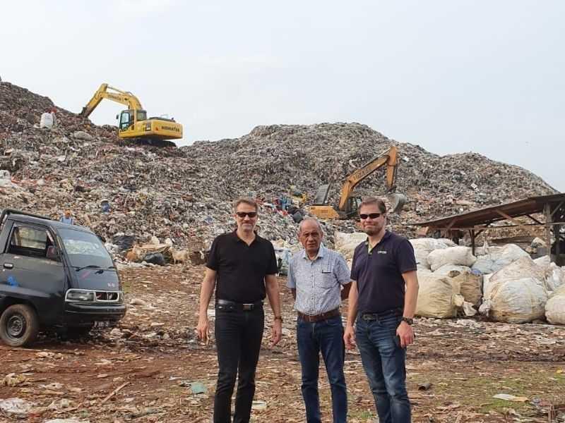RiverRecycle landfill Mumbai India Environmental NGO Earth5R